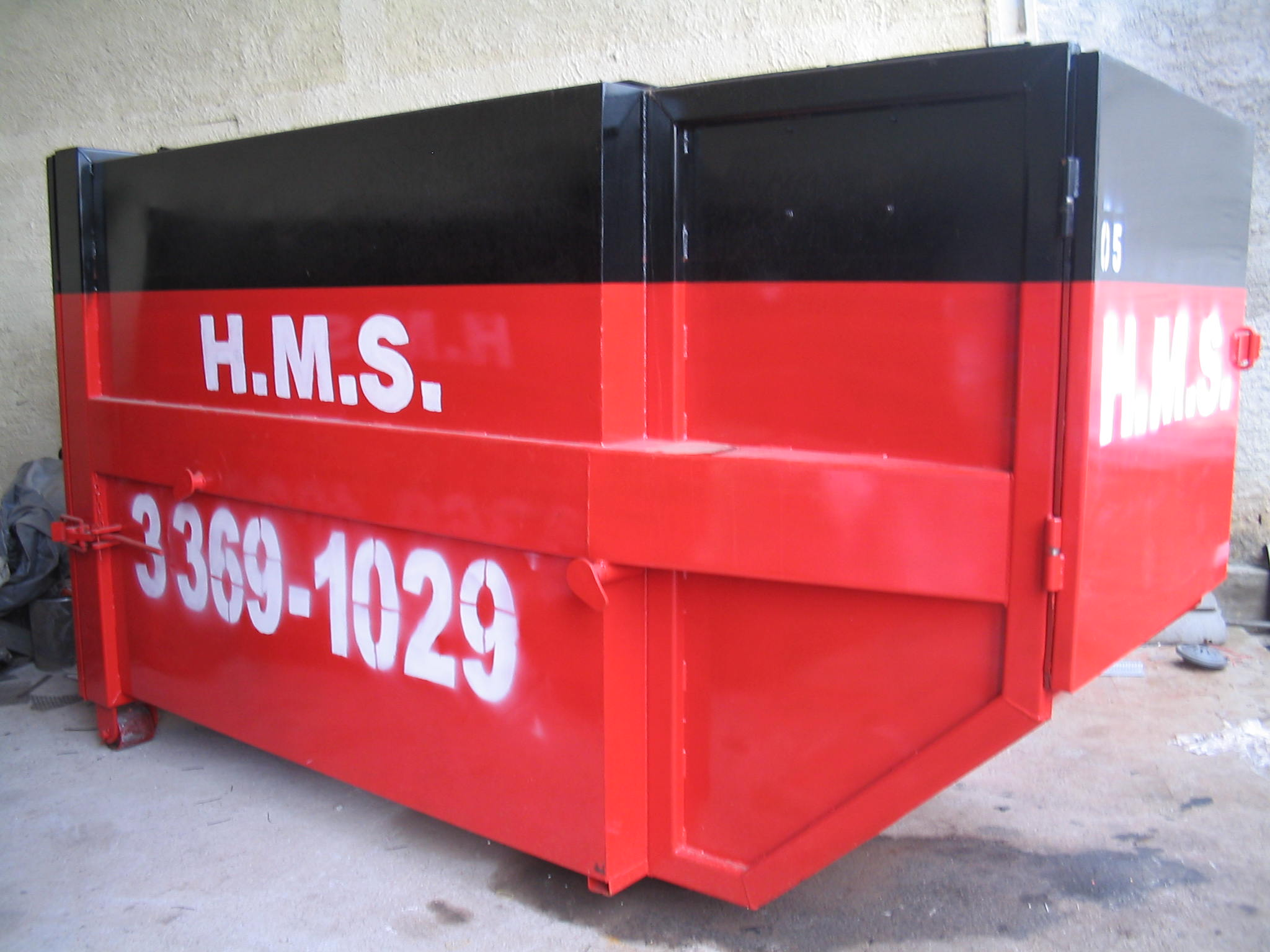 H.M.S Locação de caçambas 005